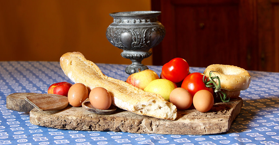 Medieval foods include lots of health options like fruits and vegetables.